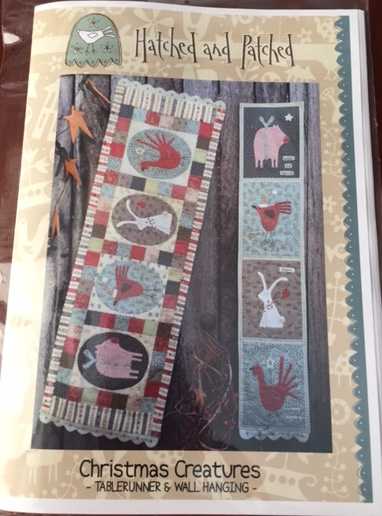 'Christmas Creatures' Tablerunner and Wallhanging