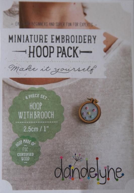 """1""""/2.5cm hoop frame set with brooch back"""