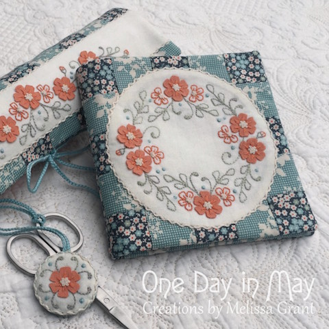 'Petite Blooms' sewing set